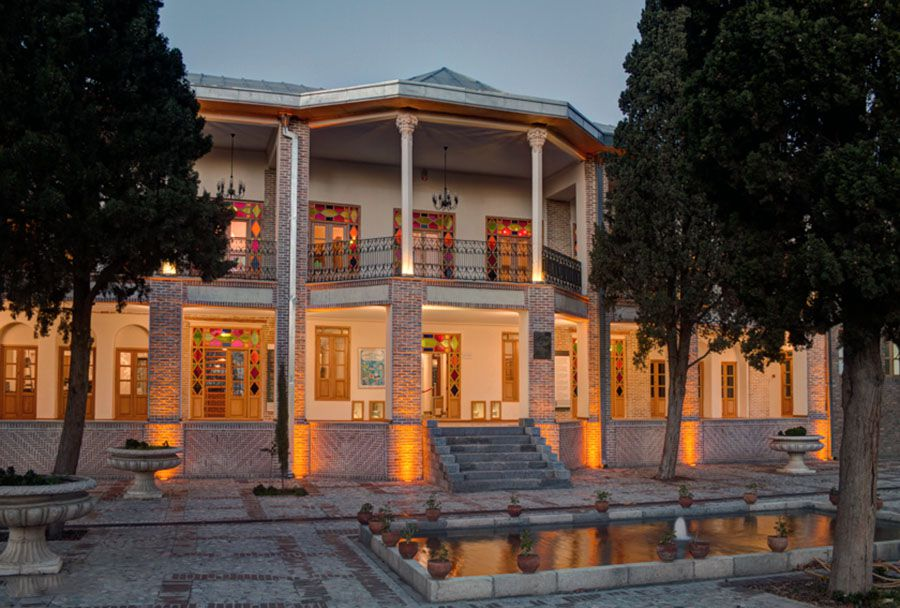 عمارت ارباب هرمز کجاست؟ | معرفی این عمارت تاریخی زیبا به همراه تصاویر و آدرس | فانزی