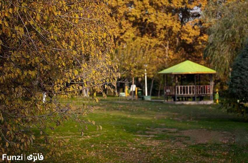 پاییز در بوستان لاله