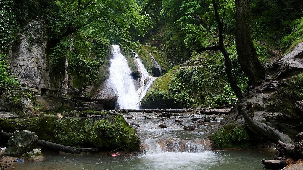 آبشار اشک در گلستان فانزی