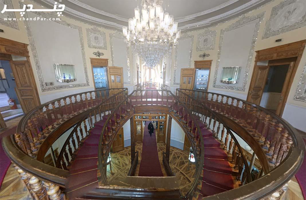 فضای داخلی موزه آبگینه ها و سفالینه ها