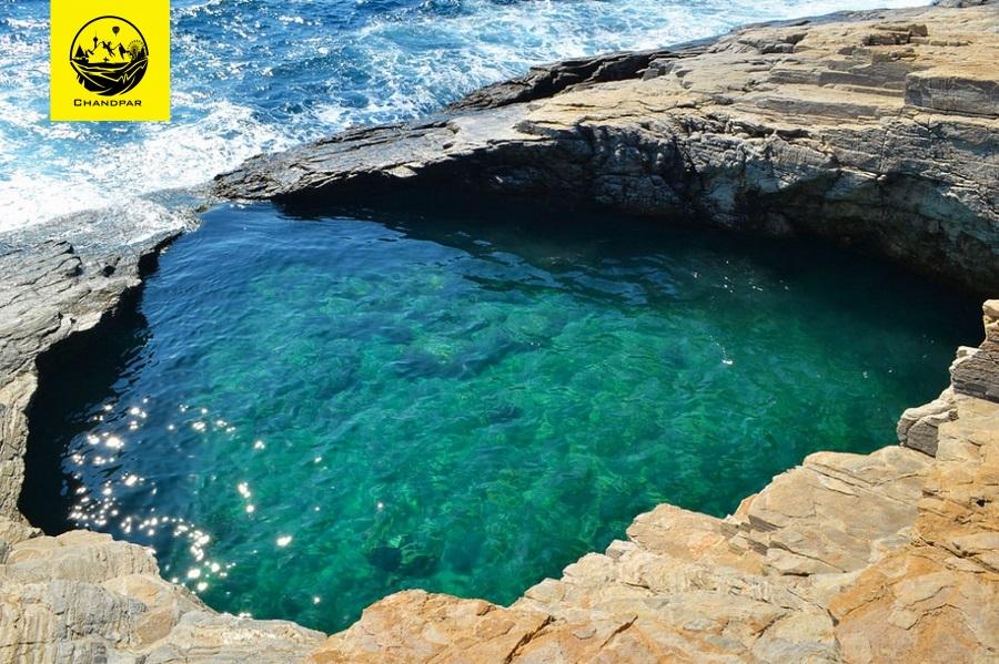 استخر طبیعی جیولا در یونان