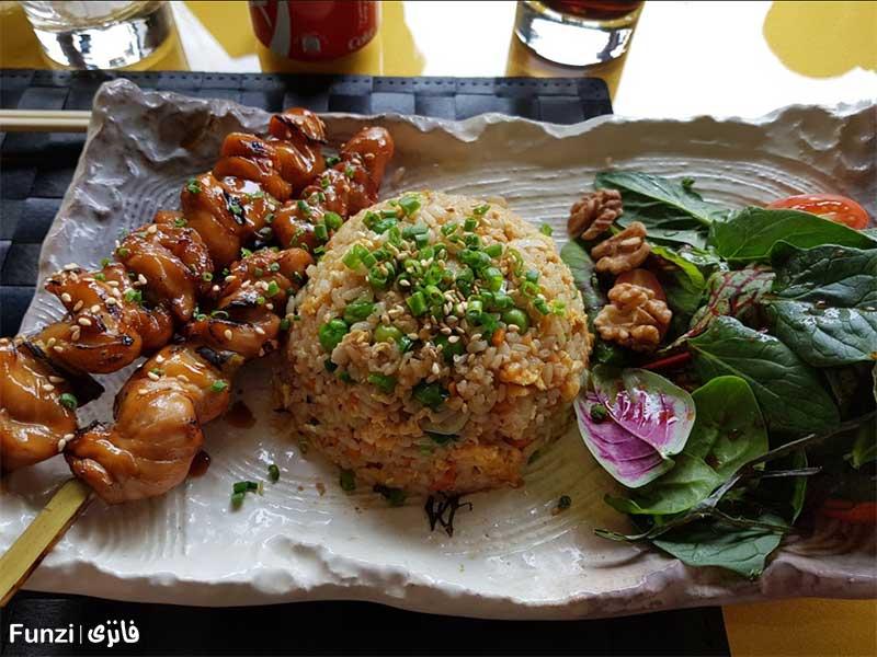 غذاهای خوشمزه در رستوران روشا سنتر