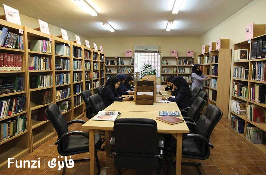 کتابخانه کاخ سعد اباد تهران