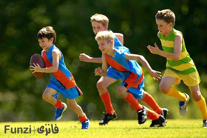 کودکان در حال ورزش و دویدن