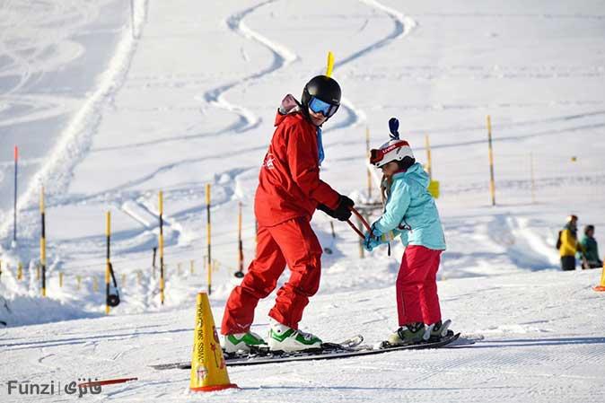 آموزش اسکی در کدام فصل بهتر است؟