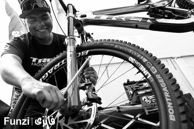 گرفتن-پنچری در آموزش دوچرخه سواری