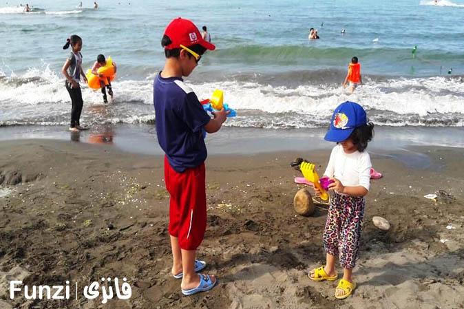 بازی در ساحل | یکی از انواع تفریح کم هزینه
